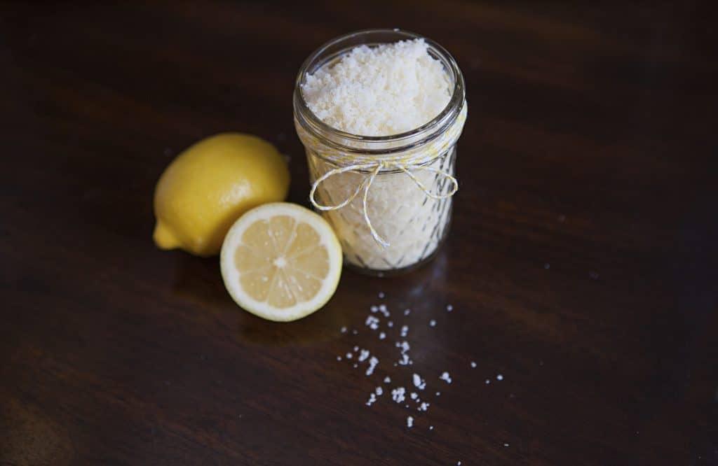 Lemongrass Sugar Scrub Recipe. Easy DIY Sugar Scrub Recipe.