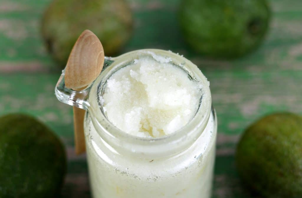 Easy DIY & Vegan sugar body scrub recipe - Coconut & LIme