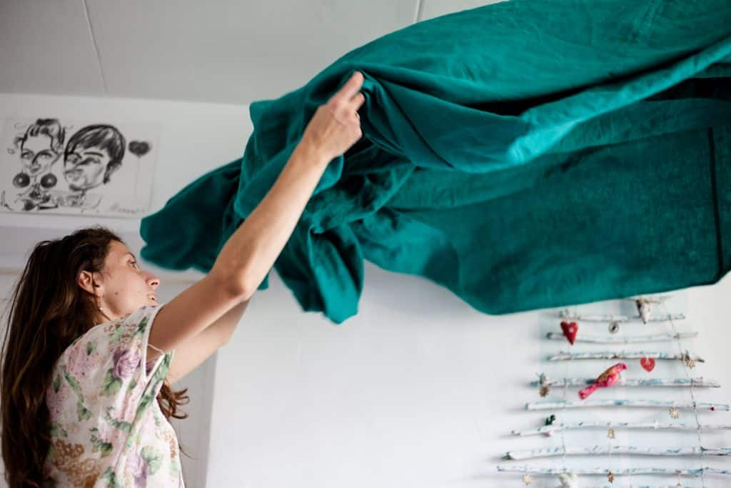 how to keep a tidier home. 6 home hacks to keep your home tidier.
