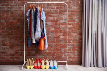 10 Tiny Closet Organization Hacks