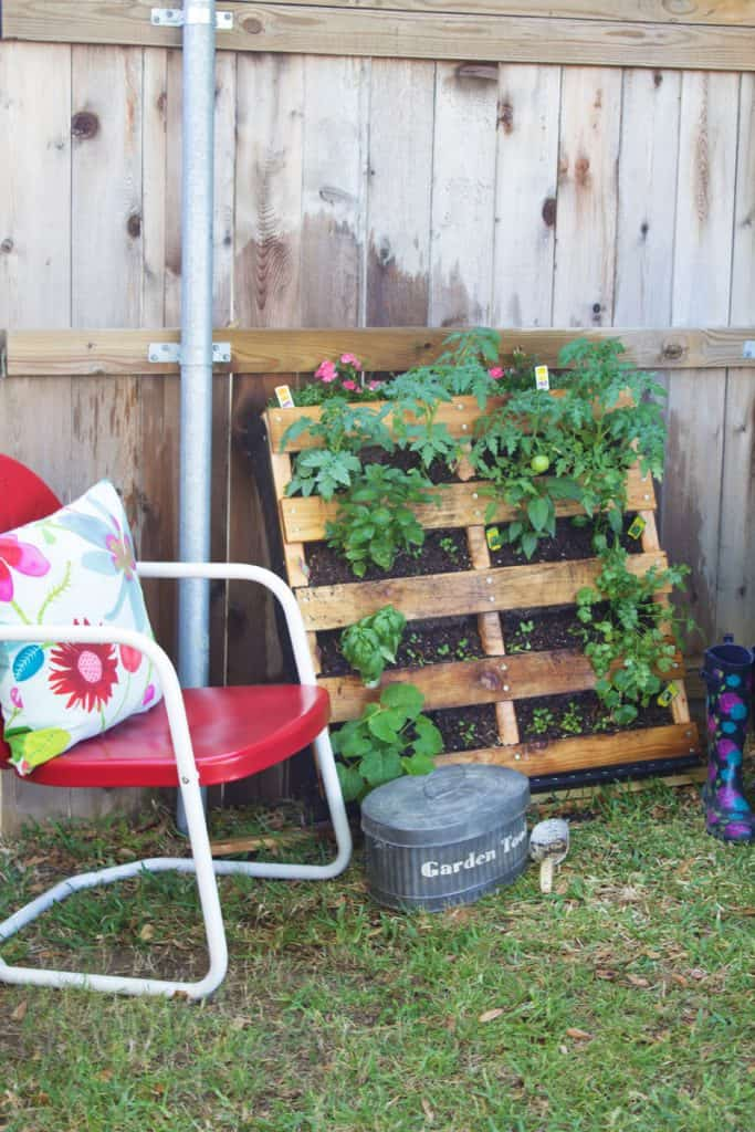 Wood Pallet Garden Project DIY