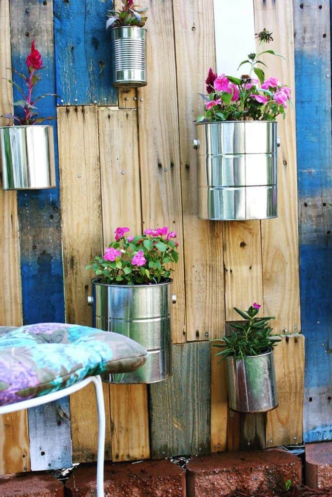 DIY wooden pallet vertical garden.