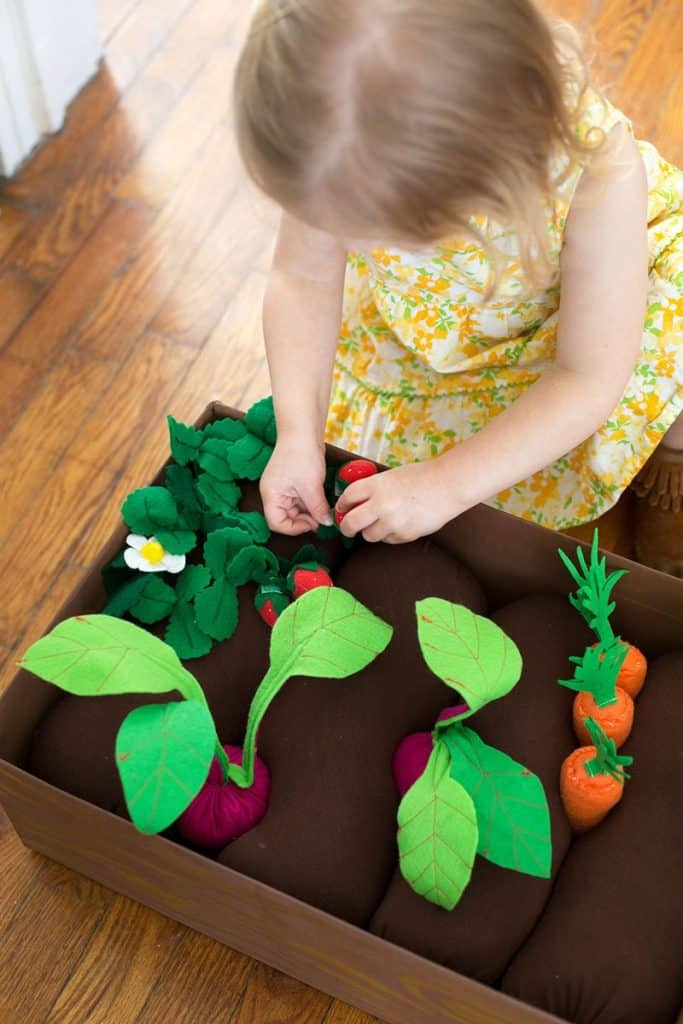 DIY kids toys - plantable felt garden