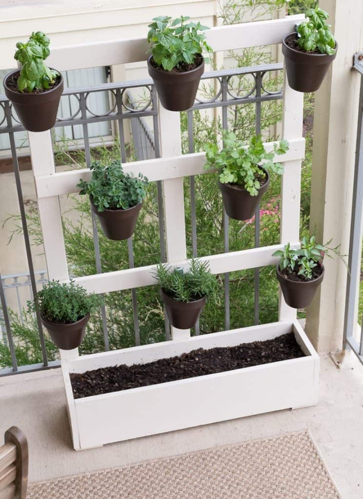DIY Vertical Balcony Garden.