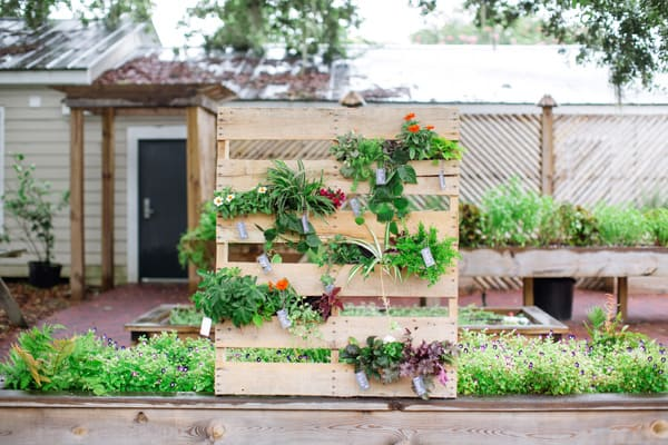 DIY Wooden Pallet Vertical Garden