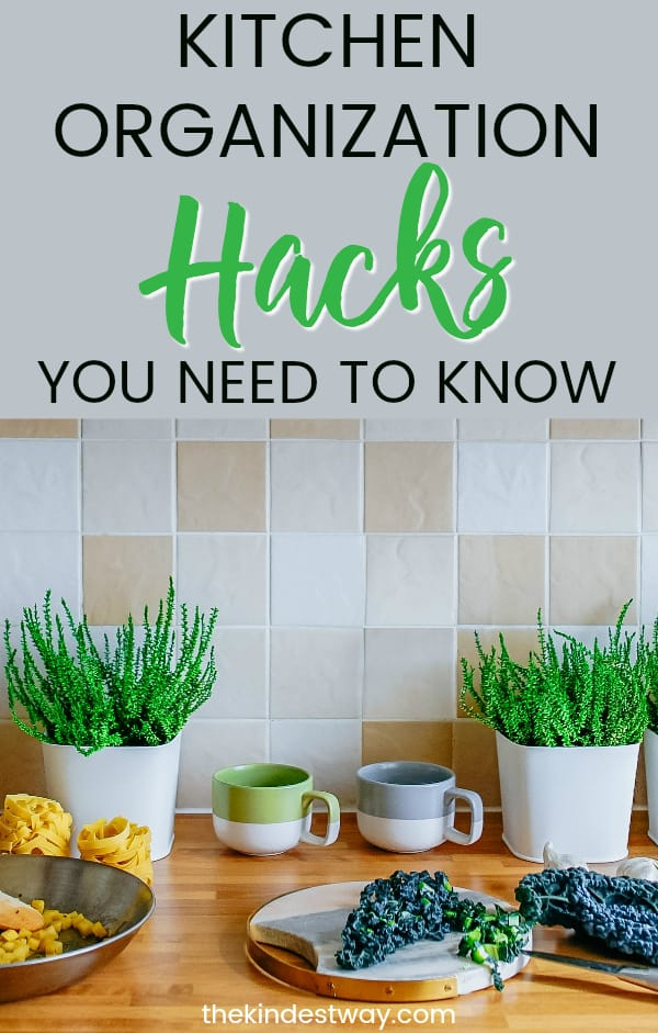 Looking for the best kitchen organization hacks? We've got them all here in our round up of the best ways to organize your kitchen. #ktichen #organization #hacks #organize #declutter #homehacks