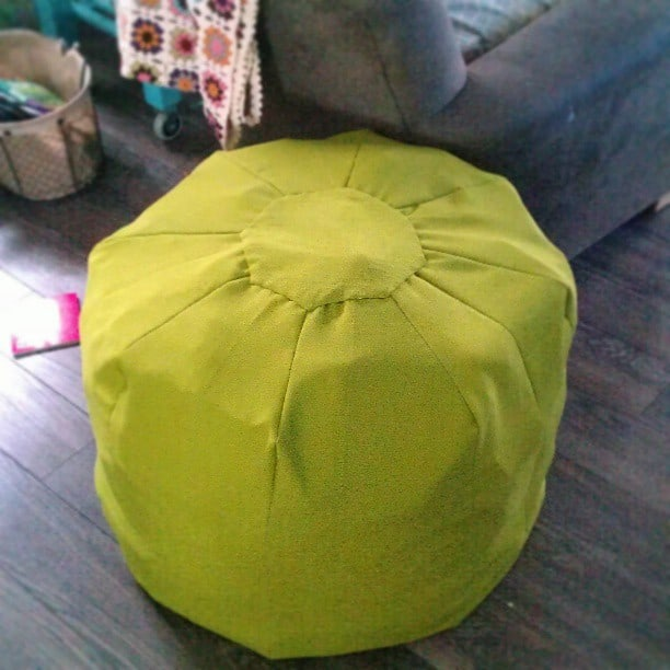 How to sew a floor pouf