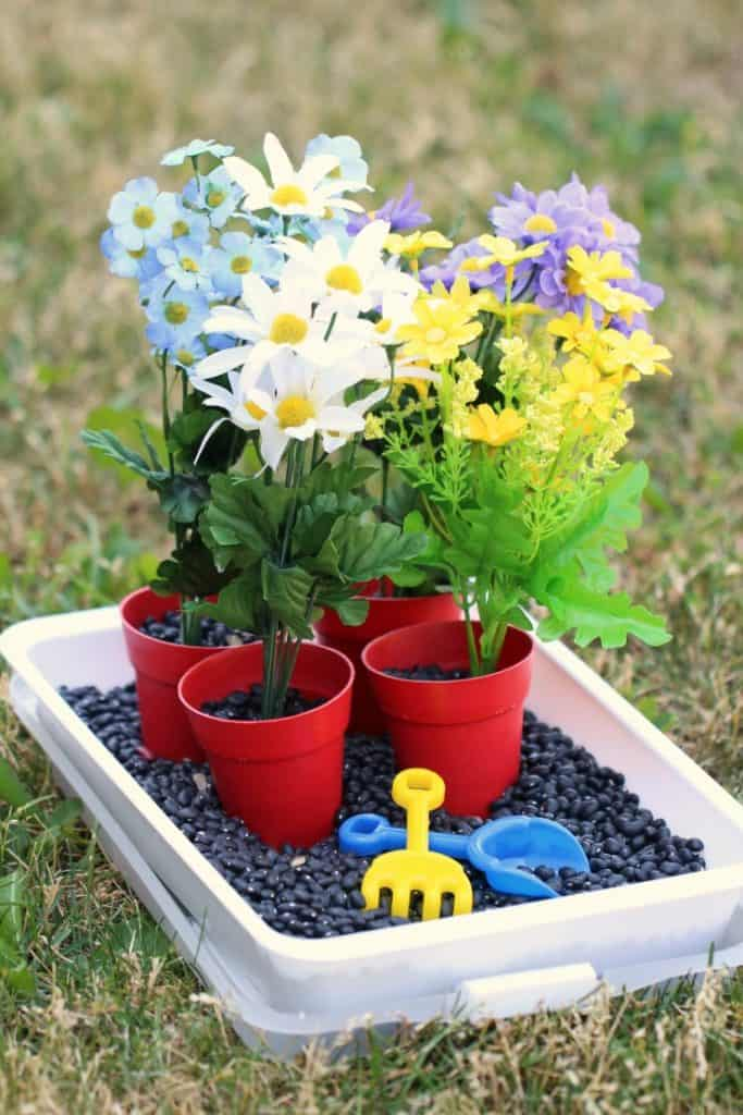 Gardening sensory idea for kids